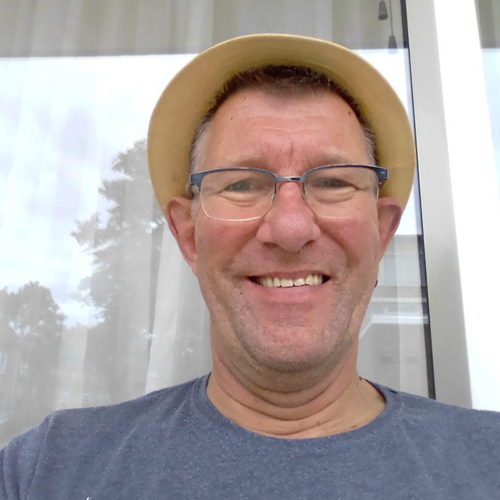 Frank Huijbregts (supermarktmedewerker): hield zich staande met zijn team ondanks vele overuren en hamsterende klanten